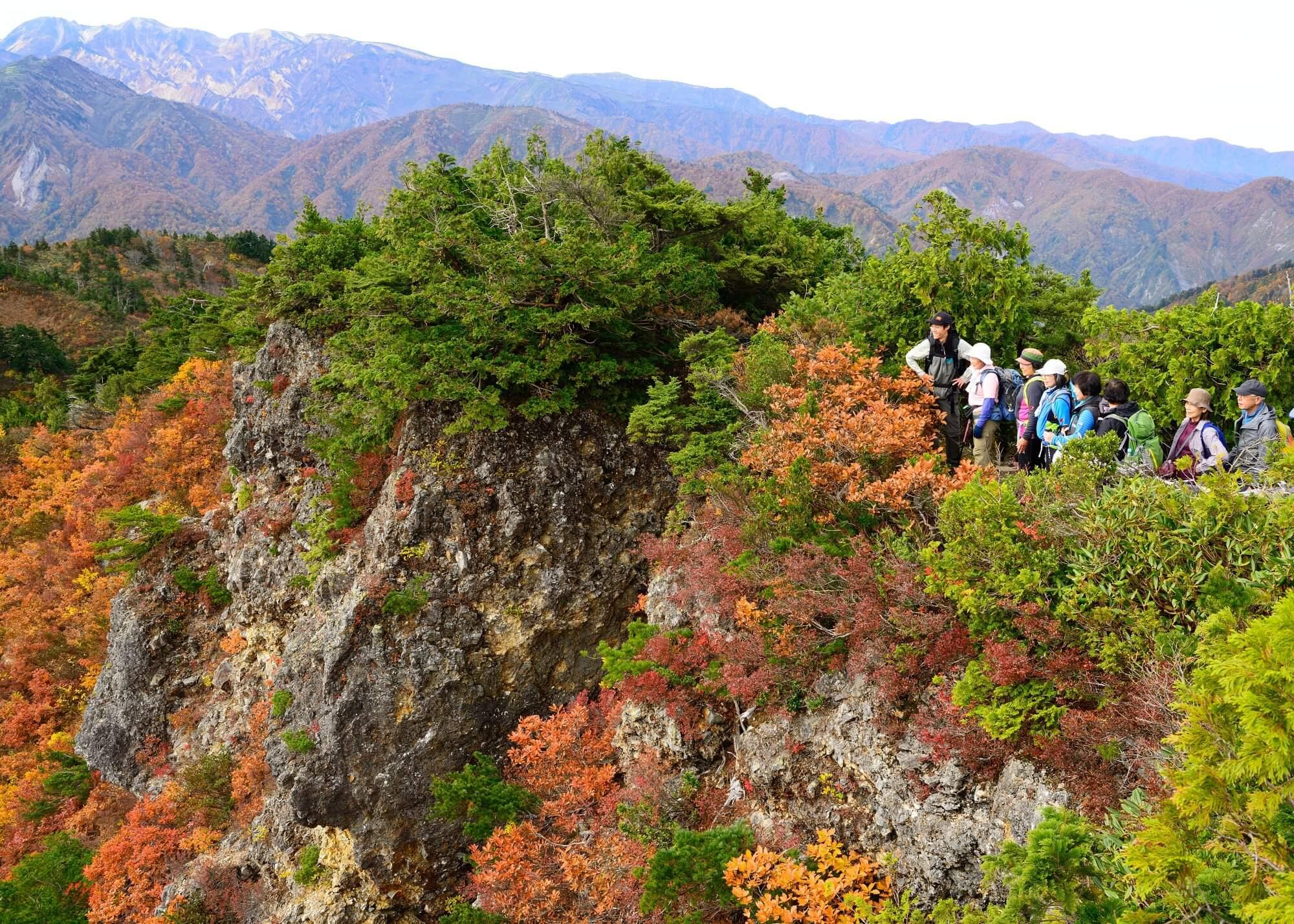 あなただけの完全プライベート!登山ガイドと行く錦秋の紅葉トレッキング